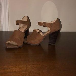 Cato Block-heels